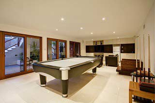 trained pool table installers and pool table movers in Chico content img2